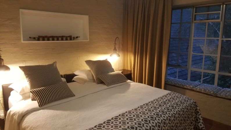 Self-catering accommodation near Rosebank Hospital | Acorns on 8th