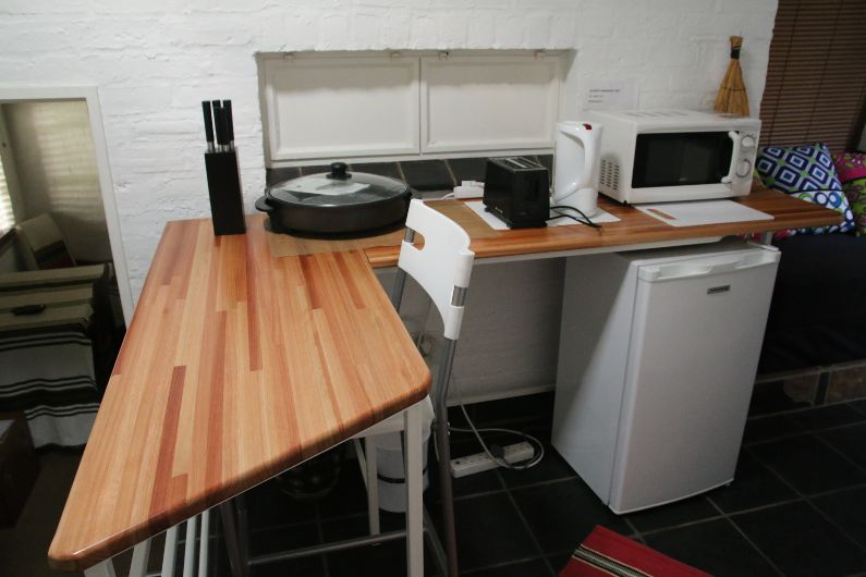 Jazzy Budget self-catering kitchenette in Parktown North   Acorns on 8th