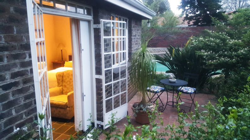 Self-catering garden cottage and private patio near Rosebank